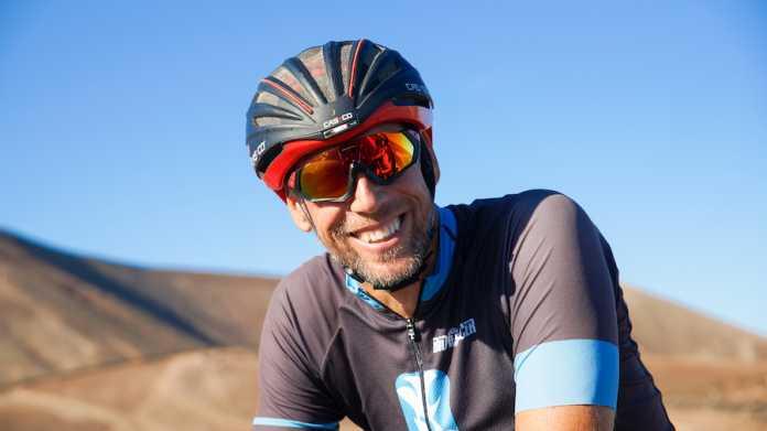 Daniel Kezele leitet auf Lanzarote die Triathlonschule