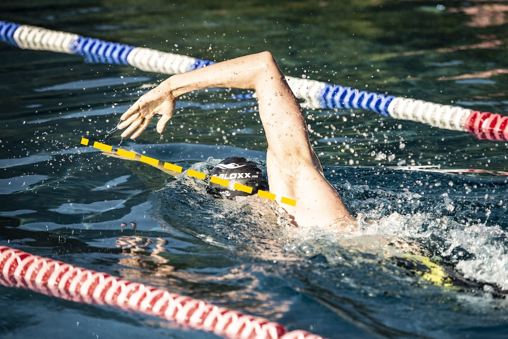 Armhaltung beim Schwimmen