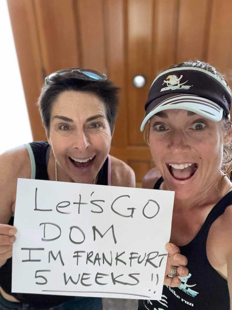Siri Lindley und Rebekah Keat (motivieren Dominic Portisch, den Startplatz-Gewinner der Mainova Ironman European Championship)